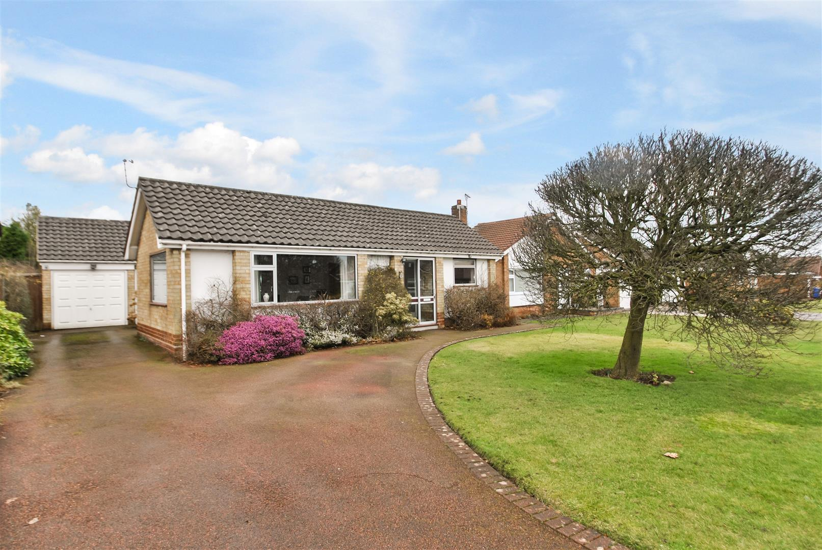 3 Bedrooms Detached Bungalow for sale in Willow Lane, APPLETON, Warrington, WA4